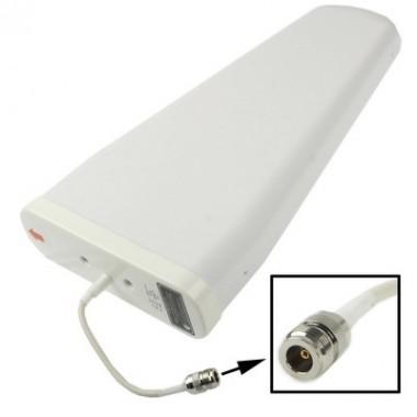 Наружная направленная антенна, которая работает в диапазонах GSM, EDGE, 3G